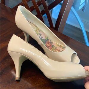 XAppearl heels